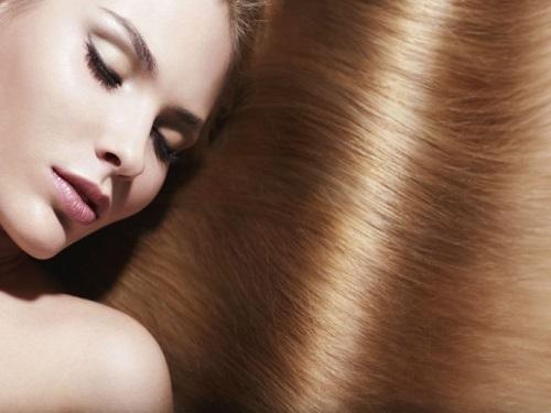 TRESemmé gama liso keratina para lucir un pelo liso y brillante