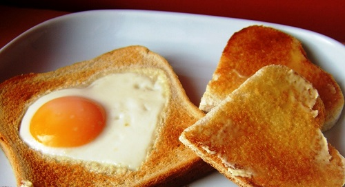 desayuno-tostada-corazon 02