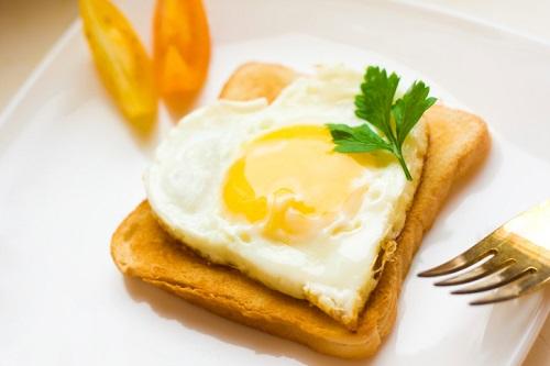 desayuno-tostada-corazon