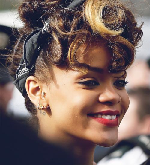 Rihanna pañuelo