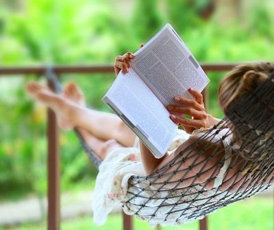 Lecturas veraniegas y ligeras para afrontar el calor