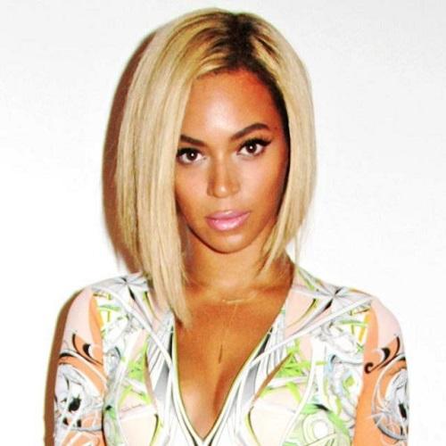 Beyoncé con pelo corto rubio