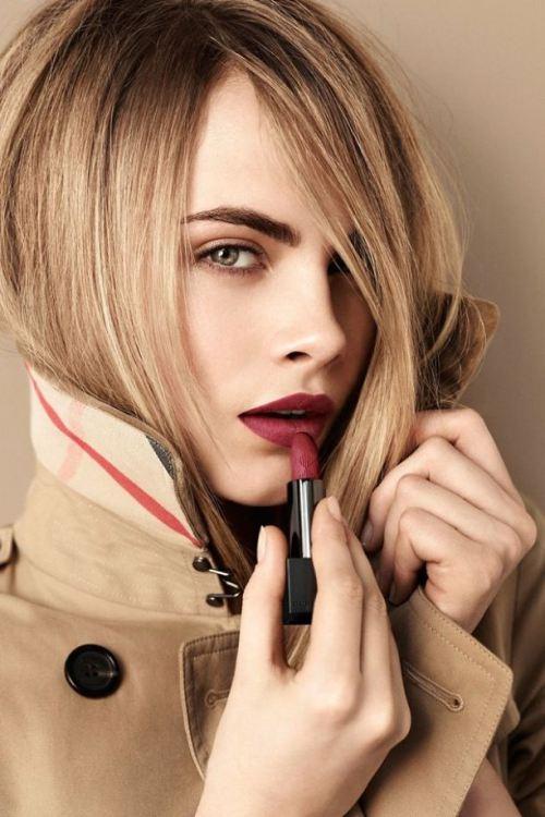 maquillaje-labios-granate