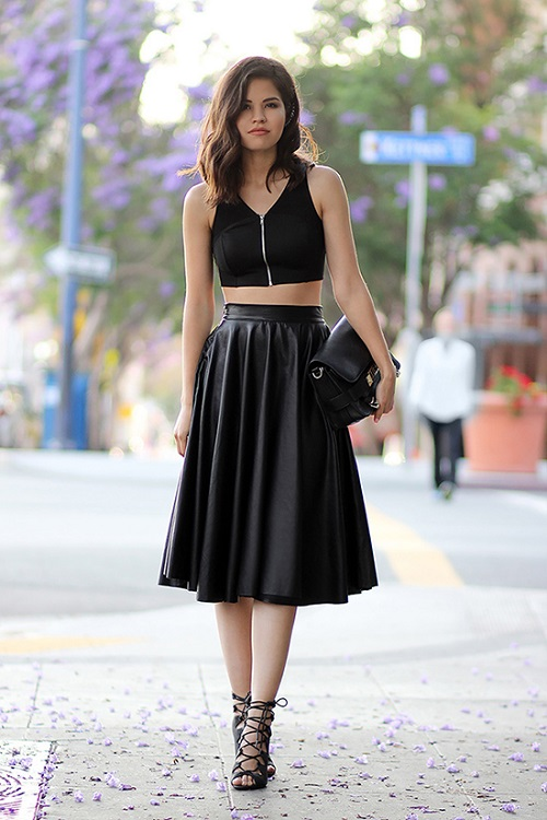 falda midi con crop top