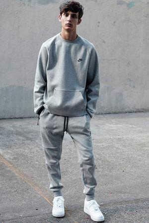normcore moda hombre tendencia deportiva