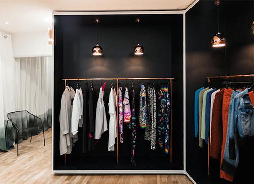 biblioteca de ropa fashion clothing libraries prestamos prendas moda accesorios