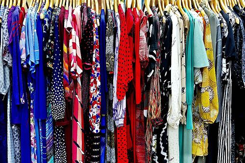 bibliotecas de ropa moda accesorios prestamos iniciativa negocio