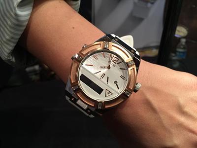 guess smartwatch tecnologia diseño moda
