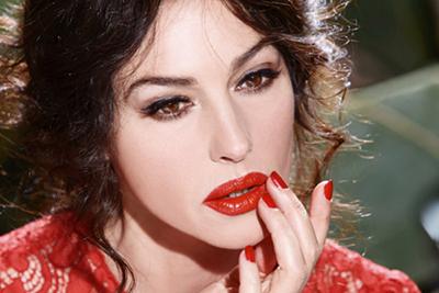monica bellucci anuncio maquillaje pintalabios