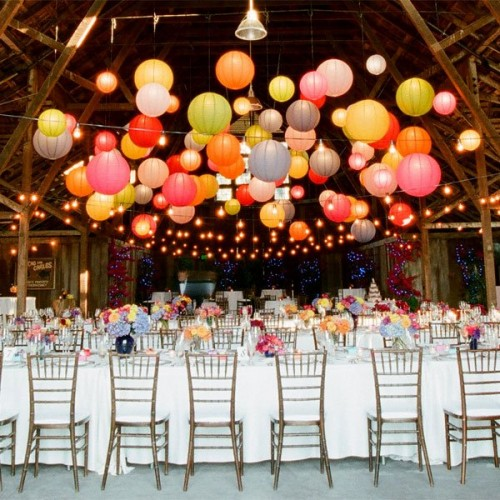 reception-decor-floating-paper-lanterns